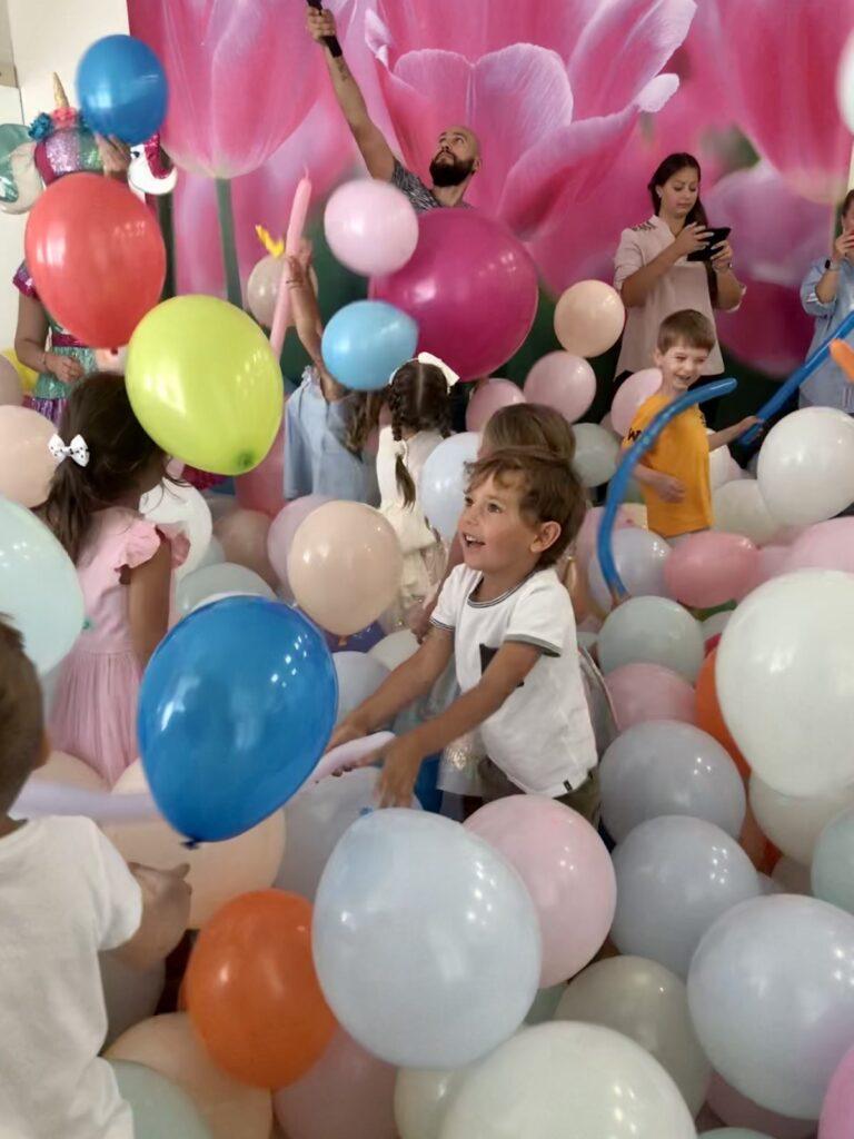 Шоу шаров в Киеве